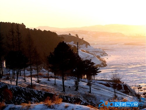 二龙湖风景区旅游介绍