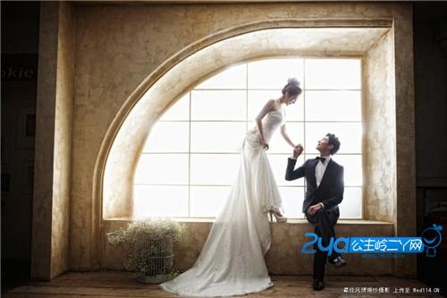 韩式风格的婚纱照还可以将女人可爱的一面很好的展现